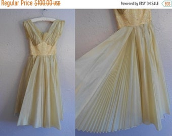 0775c654234e 50% Off Sale Hotter Than the Tropics - Vintage 1950s Fred Perlberg Lemon  Yellow Rayon Chiffon Pleated Cocktail Dress - 00/0