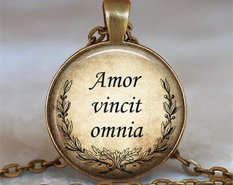 Amor vincit omnia, Love conquers all necklace, romantic gift, gift for lovers, Latin quote jewelry, Valentine's gift, key chain key ring fob