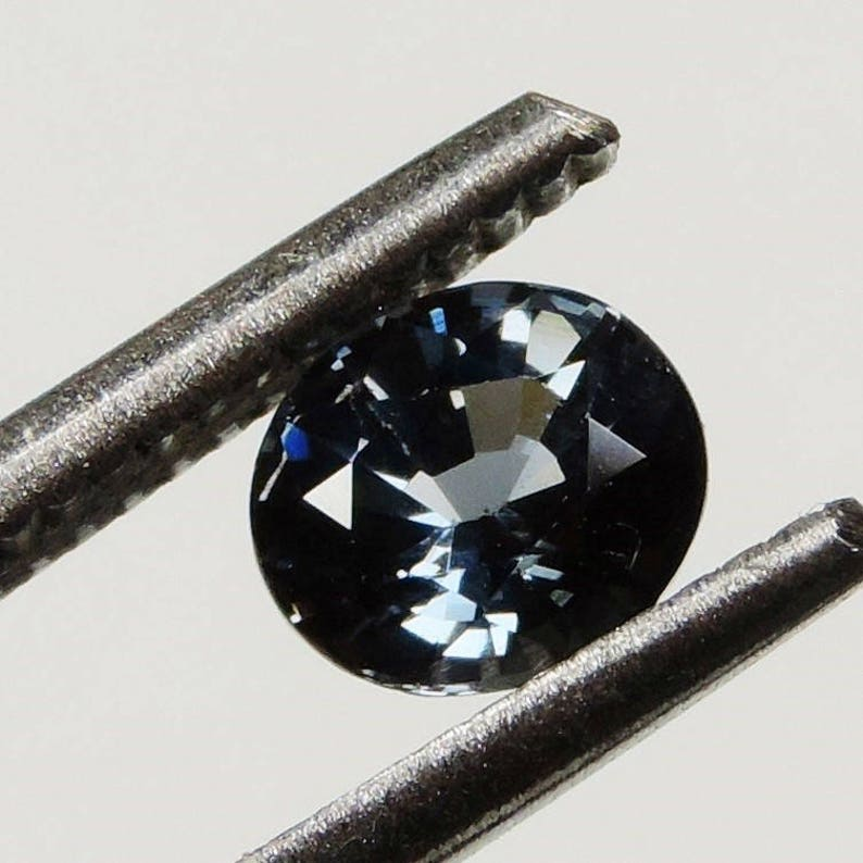 0.95 cts blue flawless spinel faceted oval cut sri lanka 77 image 0