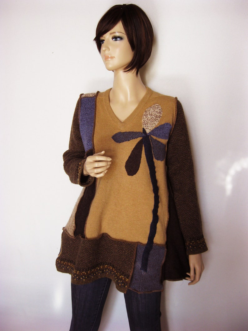 XL Wool Tunic with Flower image 0