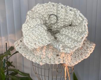 Crochet Cowl Scarf | Neckwear | Handmade Scarf | Neck warmer | Light grey Cowl scarf | Cream color Cowl