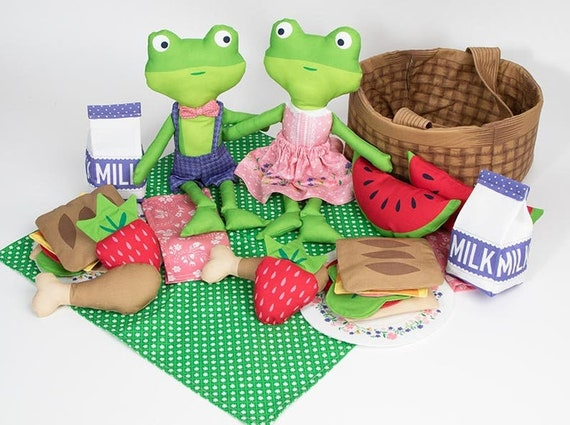 Sunday Picnic Collection,Stacy Iest Hsu for Moda Moda Doll Panel Picnic Accessories Panel DIY Picnic Panel Kit Frog Dolls