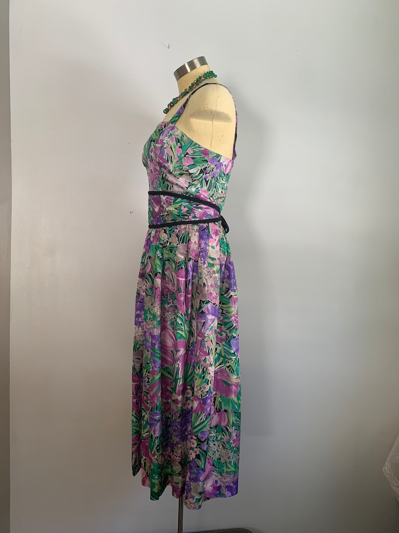 Quilted Cummerbund Belt Tropical Floral Sleeveless Party Dress