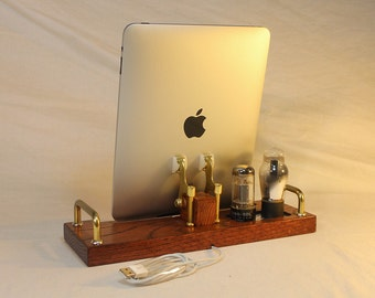 iPad - iPhone - iPod - Samsung - Dock - Sync and Charging Station- Tube Model Steampunk -  Vintage Radio