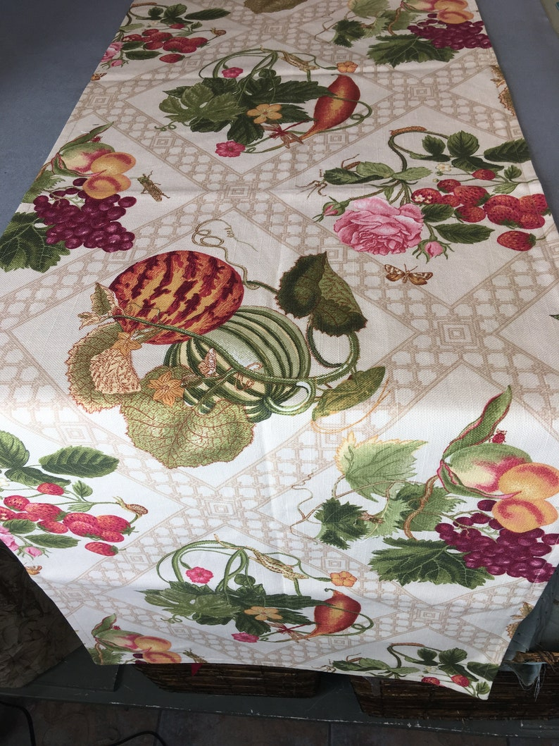The Pattern Basket Country Charm Table Runner Quilt Pattern 19 inch by 53 inch
