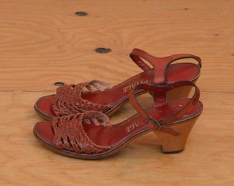 Vintage 70's Red Leather Strappy Peep Toe Sandal SZ 6