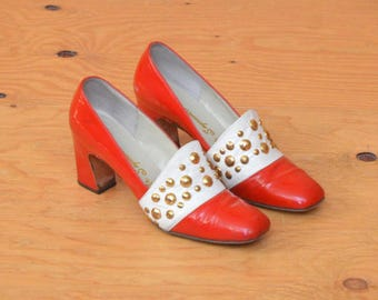 Vintage Red & White Gold Stud 60's MOD Go-Go Patent Leather Heel SZ 7.5
