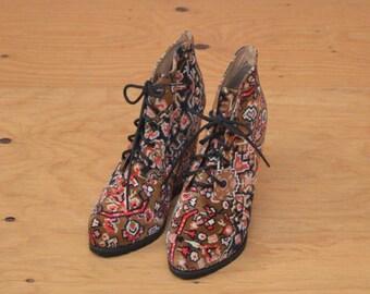 Vintage 90's Aztec Velvet Lace Up High Heel Wedge Booties  SZ 9