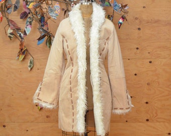 Vintage White & Tan Penny Lane Winter Coat With Faux Fur And Woven Stitch Stripe Accents Size M/L