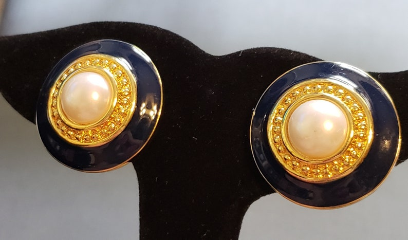 Dark Navy Blue Earrings Vintage Earrings 1980s Statement Earrings Clip On Earrings Blue Enamel Earrings Faux Pearl Earrings