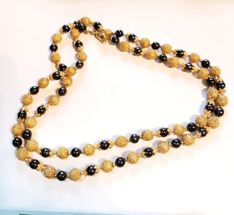 High End Necklace Vintage Necklace Faux Black Pearl Necklace Black /& Gold Statement Necklace Stunning Beaded Necklace Nubby Gold Beads