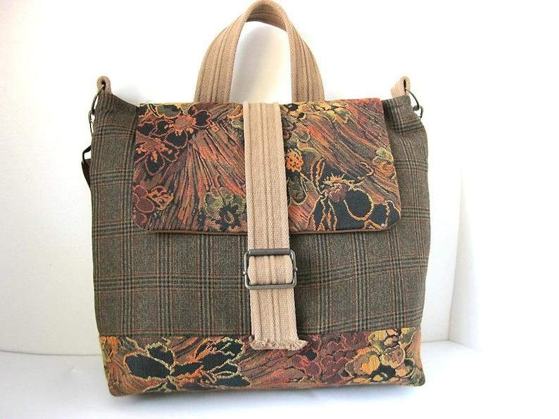 07403b05df La moitié hors Messenger sac cartable sac de voyage   Etsy