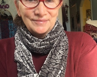 Silver Cut Out Velvet Infinity Scarf