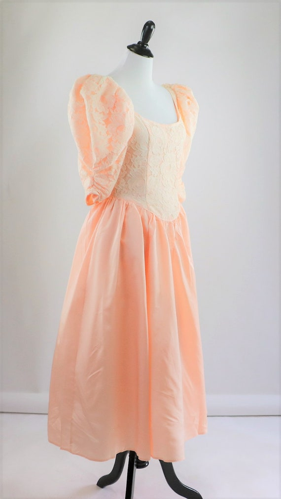 Vintage 1980's Peach and White Floral Lace Jessic… - image 2