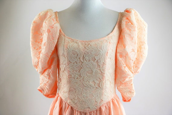 Vintage 1980's Peach and White Floral Lace Jessic… - image 1