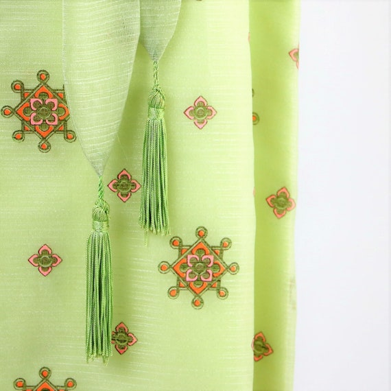 Alfred Shaheen Celery Green 1970's  Bold Printed M
