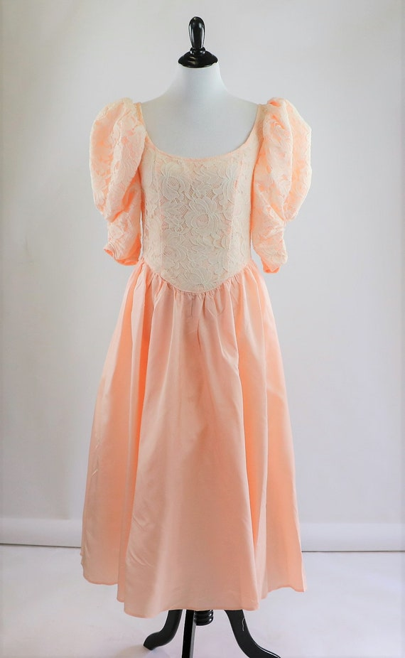 Vintage 1980's Peach and White Floral Lace Jessic… - image 4