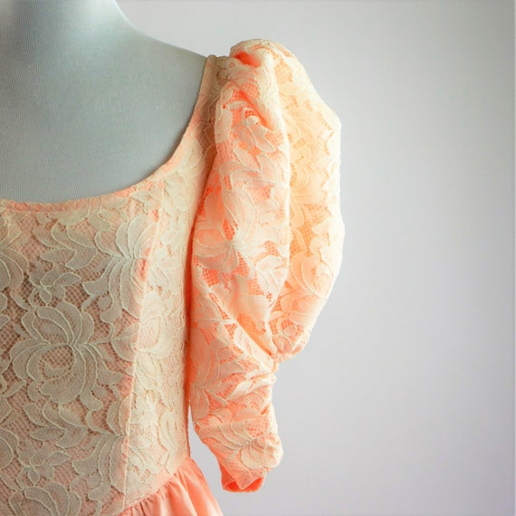 Vintage 1980's Peach and White Floral Lace Jessic… - image 3