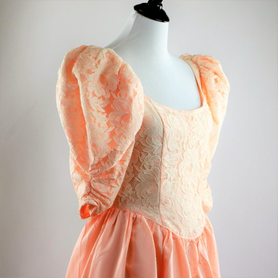 Vintage 1980's Peach and White Floral Lace Jessic… - image 6