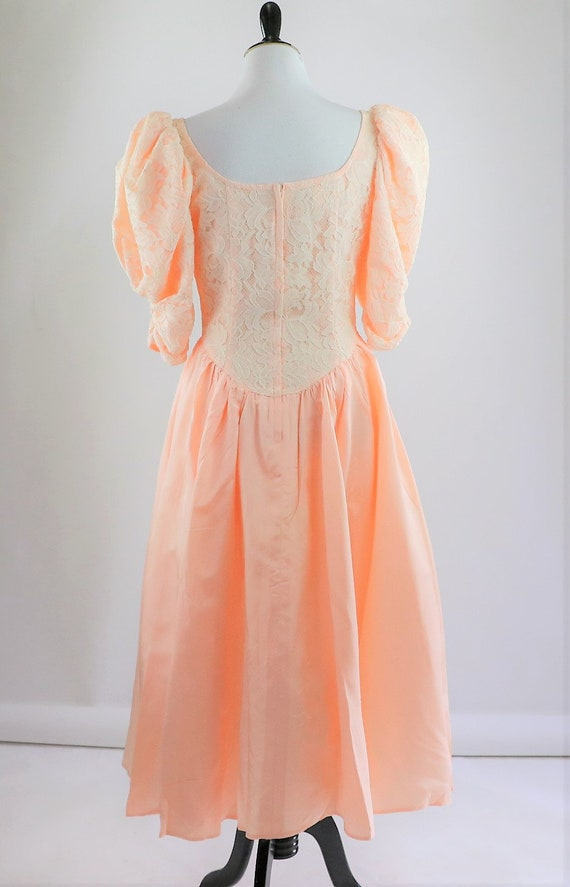 Vintage 1980's Peach and White Floral Lace Jessic… - image 7
