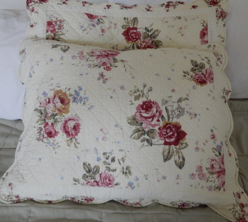 Vintage Pair of Shabby Chic Roses /& Ticking Pillow ShamsPillowcases