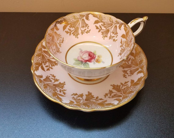 Rare Vintage Paragon light pink Teacup set with a double appointment from HM the Queen and HM the Queen Mary