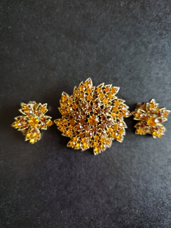 Vintage Yellow-Orange and Brown Gold Tone Brooch & Clip Earrings