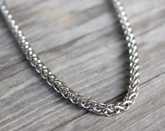 Mens chain necklace  618c4f527