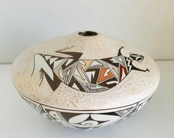 "Sylvia Naha ""Featherwoman"" Hopi Tewa Pueblo New Mexico Southwest Seed Pot Lizard Cornstalk Tadpole"