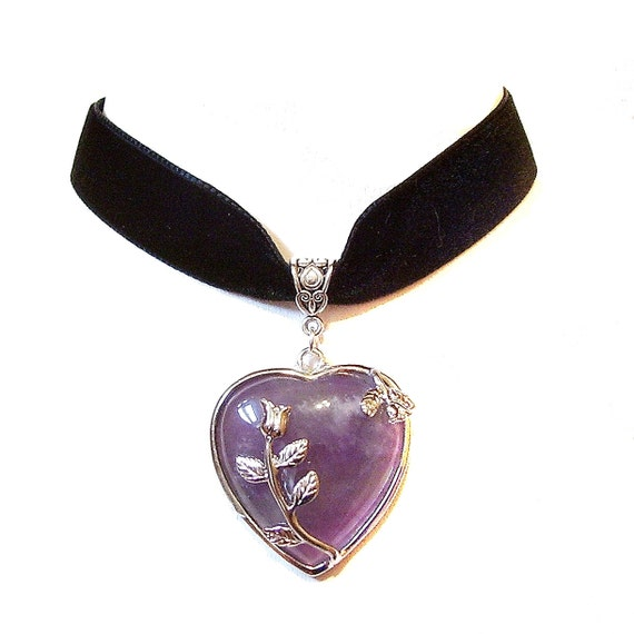 Black Velvet Choker Necklace w Purple Amethyst Heart