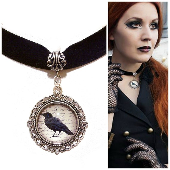 Gothic Raven Cameo Velvet Choker Necklace