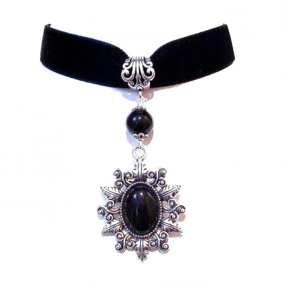 Elisabeth Velvet Choker Necklace with Black Onyx - Black