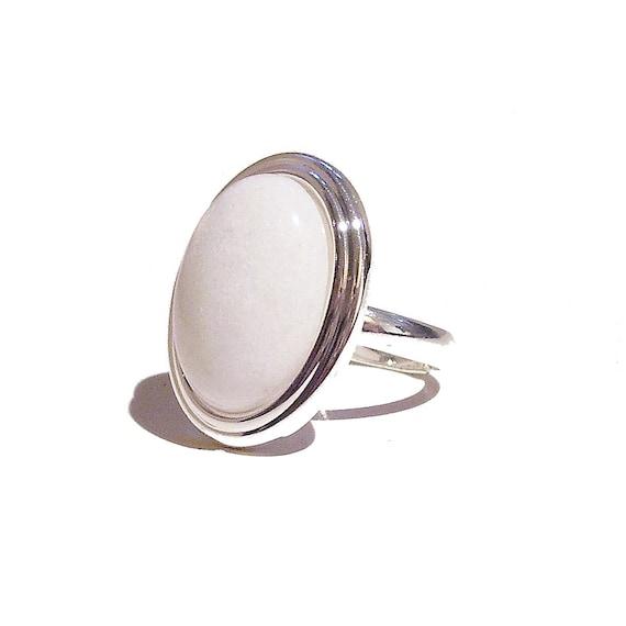 White Jade Gemstone Ribbed Edge Ring