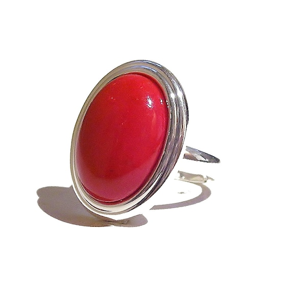 Red Jade Gemstone Ribbed Edge Ring