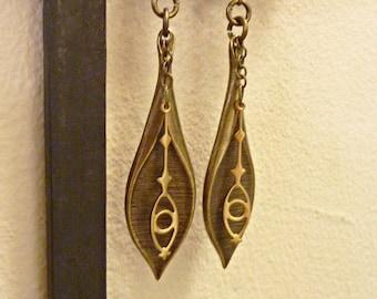 Leafy Eye Earrings, Art Deco Oxidized Brass Leaves, Vintage Brass Wands