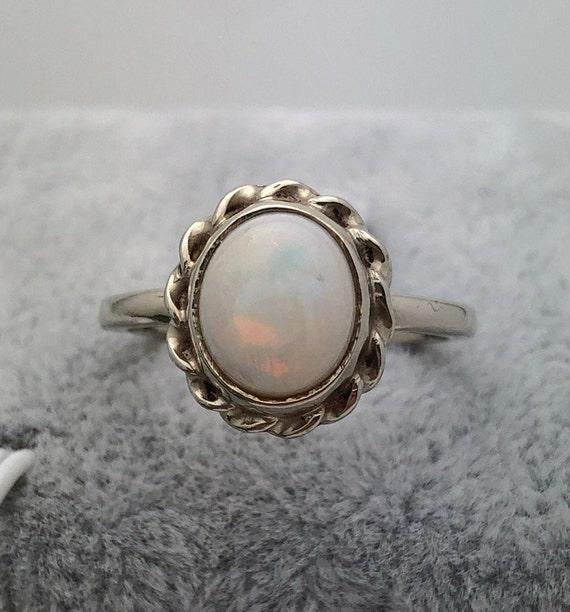 10K Gold Australian Opal Ring, Estate Ring,2.5ct W