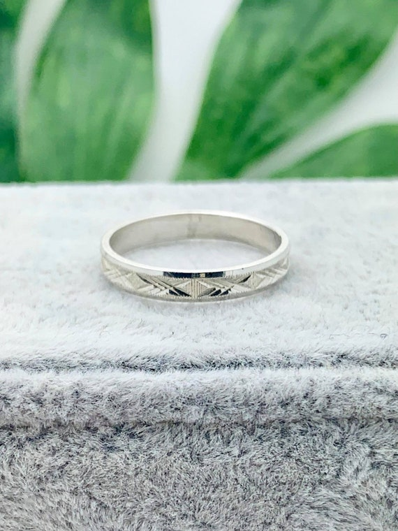 Ladies Patterned Silver Ring  Silver Plated Diamond /'Cut-Out/' Ring  Vintage 1990/'s Ring  Various Sizes Available