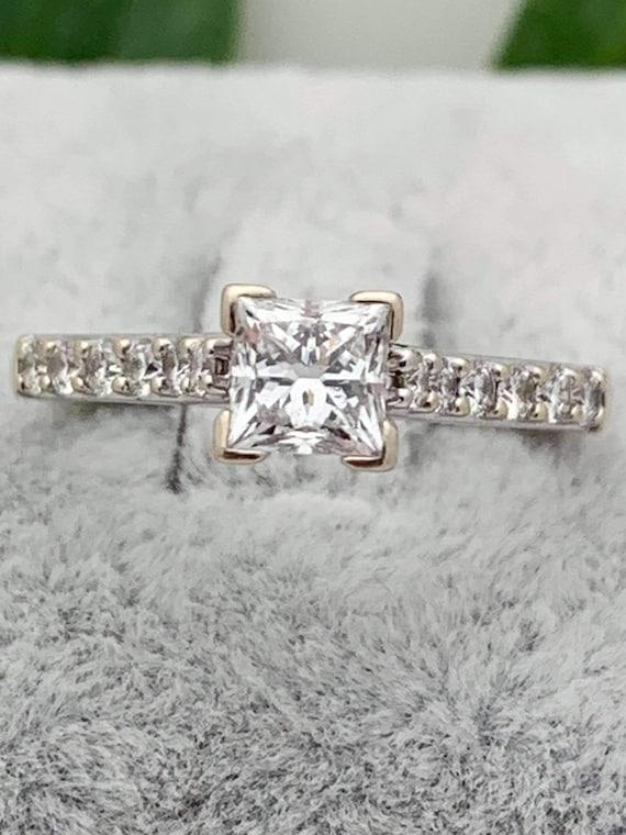 18K Gold Diamond Estate Ring,.75tcw,Princess Engag