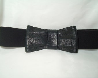 78b48c252aca Vintage Below-the-belt Black Stretchy Belt wit Leather Bow.