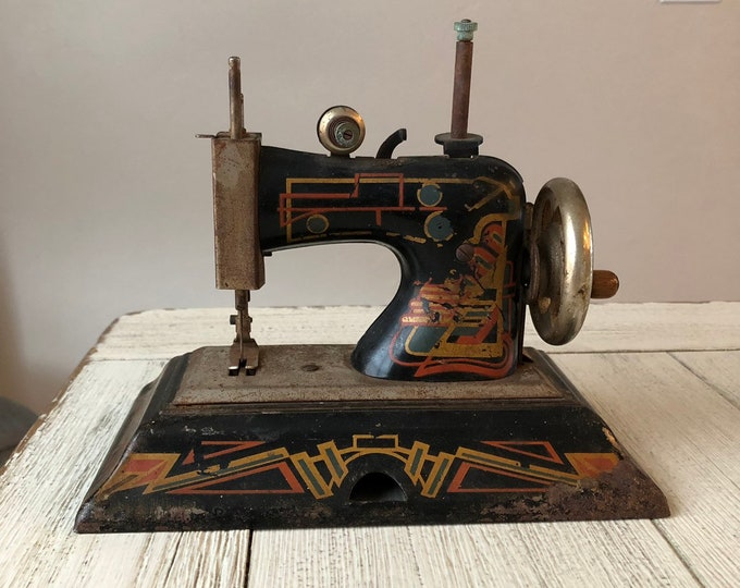 Vintage Tin Toy Sewing Machine Casige Germany