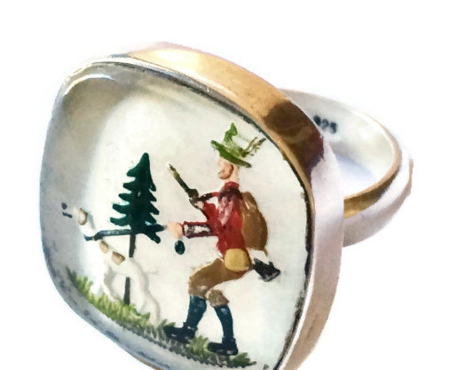 Silver Ring Reverse Painted Glass Vintage Hunting Scene