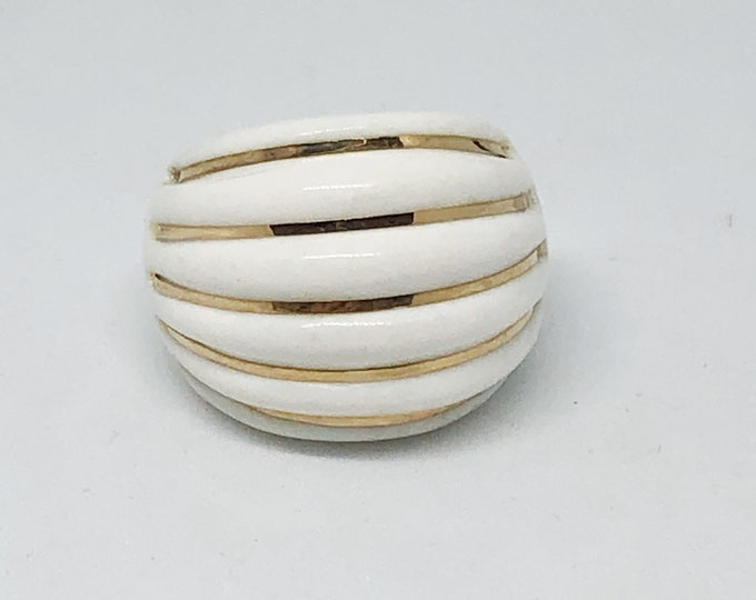 14k Gold White Agate Done Ring Ribbed Bold Statement