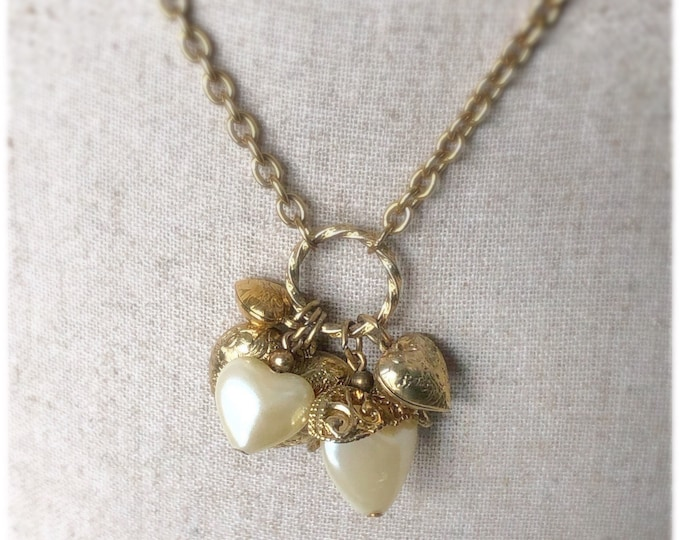 Vintage 1928 Jewelry Co. Heart Charms Holder Necklace Long Goldtone Rolo Chain Faux Pearl Hearts