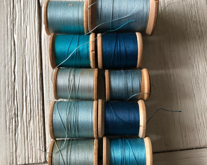 Vintage Wooden Spools Turquoise Aqua Teal Blue Thread Lot BG1