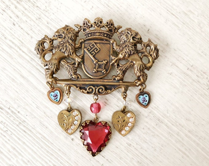 Brooch Rampant Lions Enamel Hearts Crown Key Vintage Pin