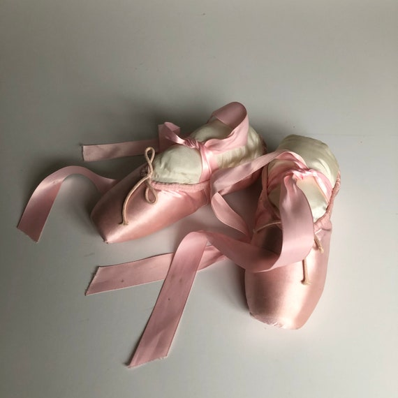 Vintage Pointe Shoes Pink Ballet Slippers - image 8