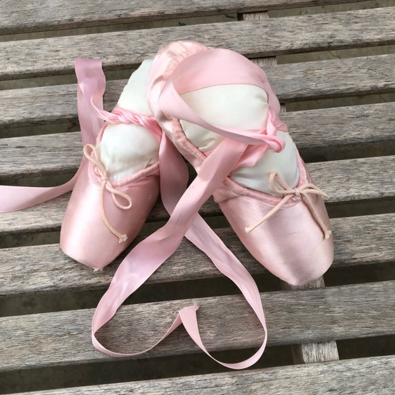 Vintage Pointe Shoes Pink Ballet Slippers - image 2