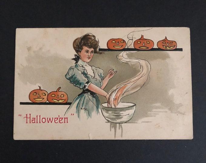 Vintage Halloween Postcard Beautiful Witch Witchcraft Hallowe'en HBG Jack O Lanterns