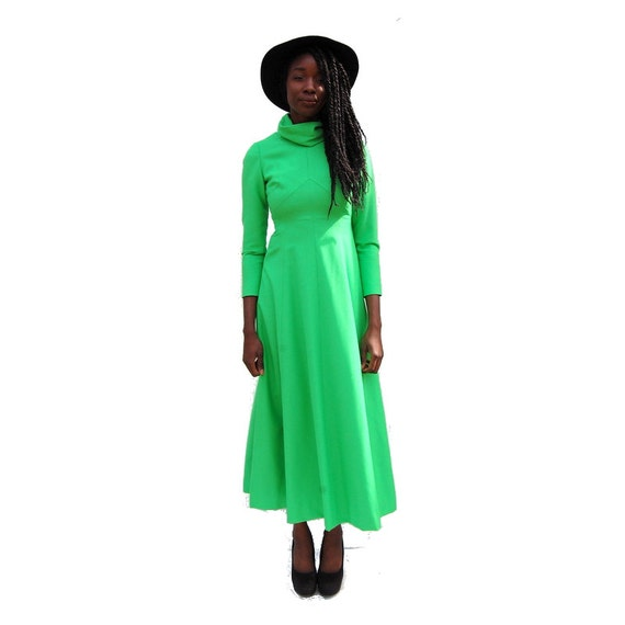 70s VINTAGE high neck long sleeve lime green maxi… - image 4