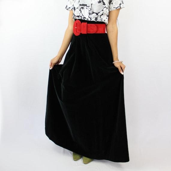 90s VINTAGE black velvet maxi skirt, PETITE, Goth… - image 3